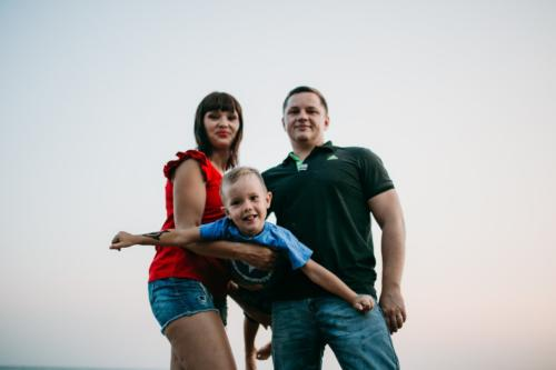 Семейная фотосессия на закате
